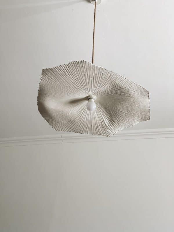 Suspension fleur papier mâché