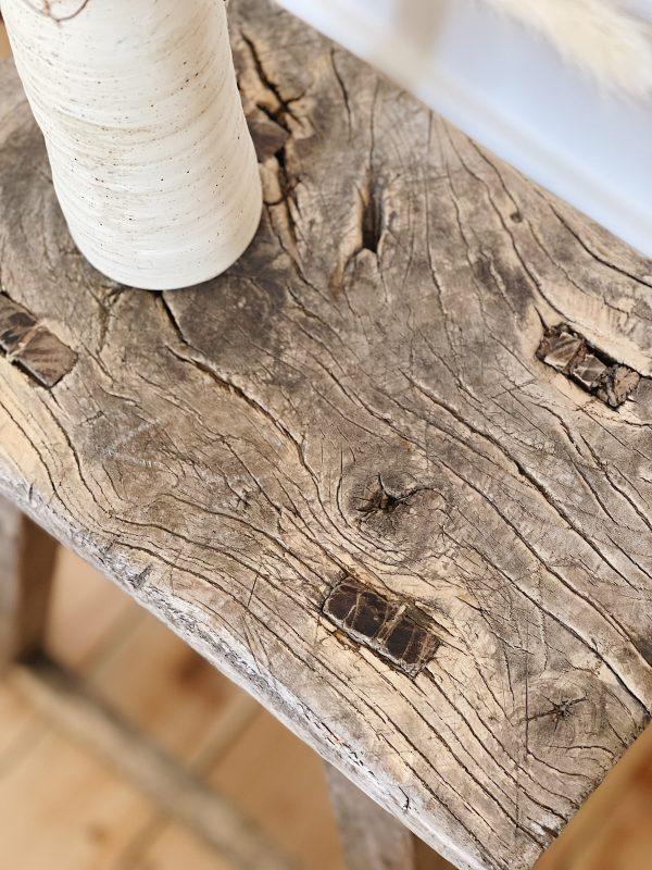 Tabouret vieux bois